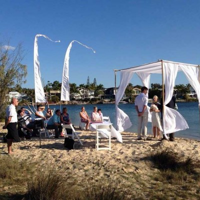 Noosa Beach Weddings